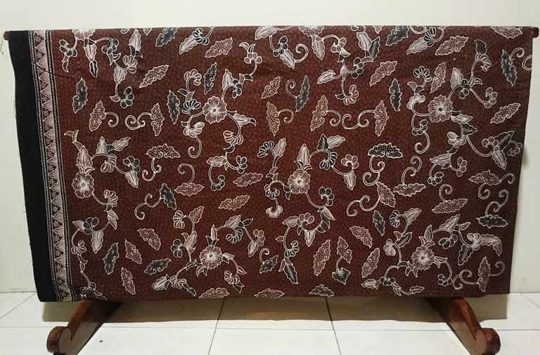 Batik fabric Tulis Lasem has its own uniqueness