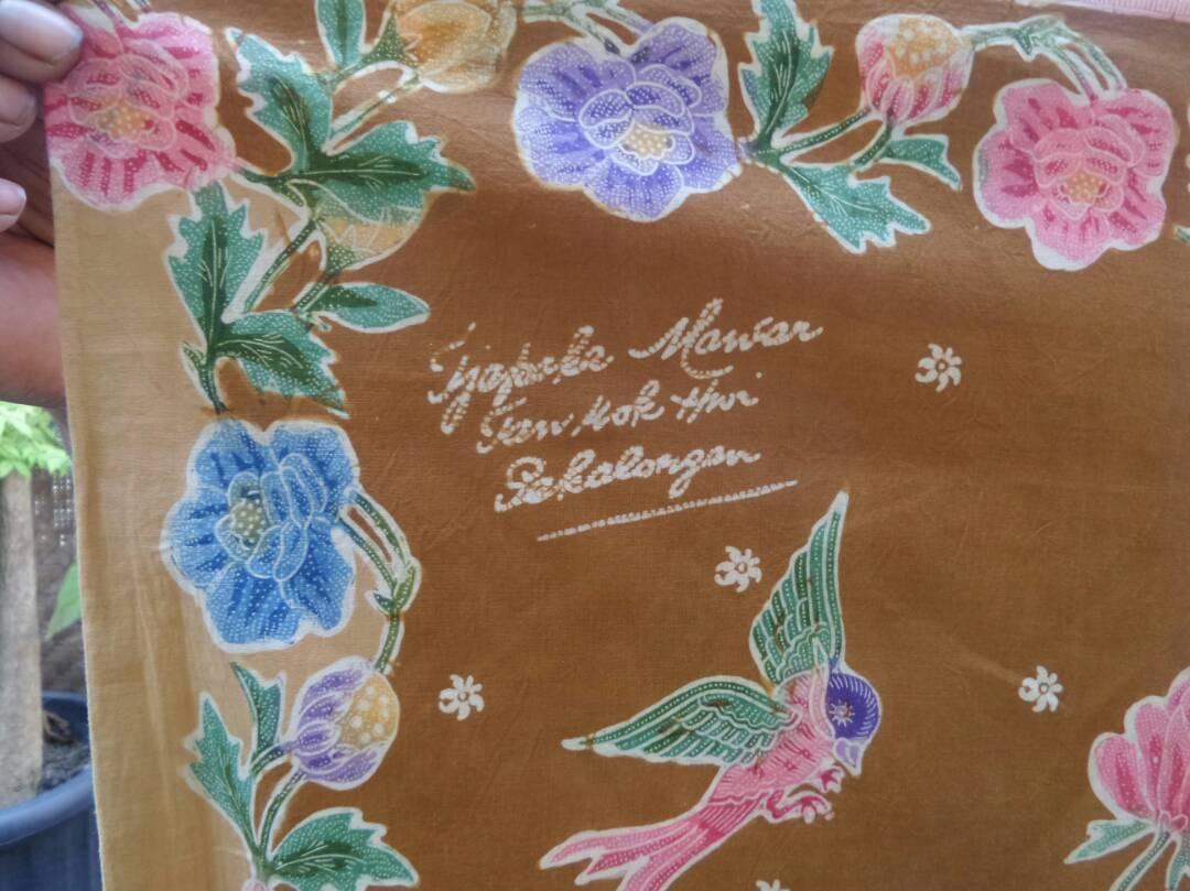 Batik Roses fabric for high level