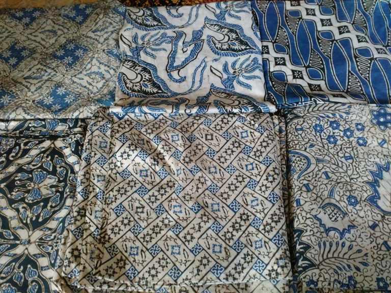 Technique of making batik fabric using Cap or Stamp