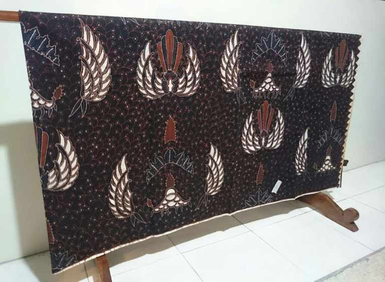 Art of drawing Batik