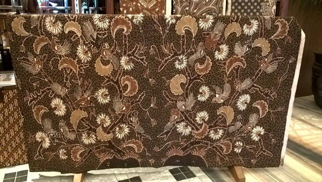 Batik fabric WITH HAND PRINT TECHNIQUE