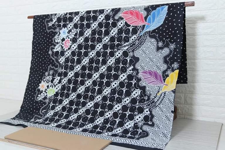 Batik sarong fabric with low price and original handmade at Batikdlidir