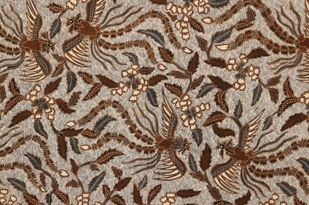 Traditional Indonesian Batik Fabric Motif Burung Hong Galar BTX311