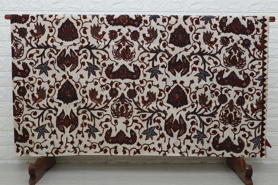 Vintage indonesian batik fabric in Austria