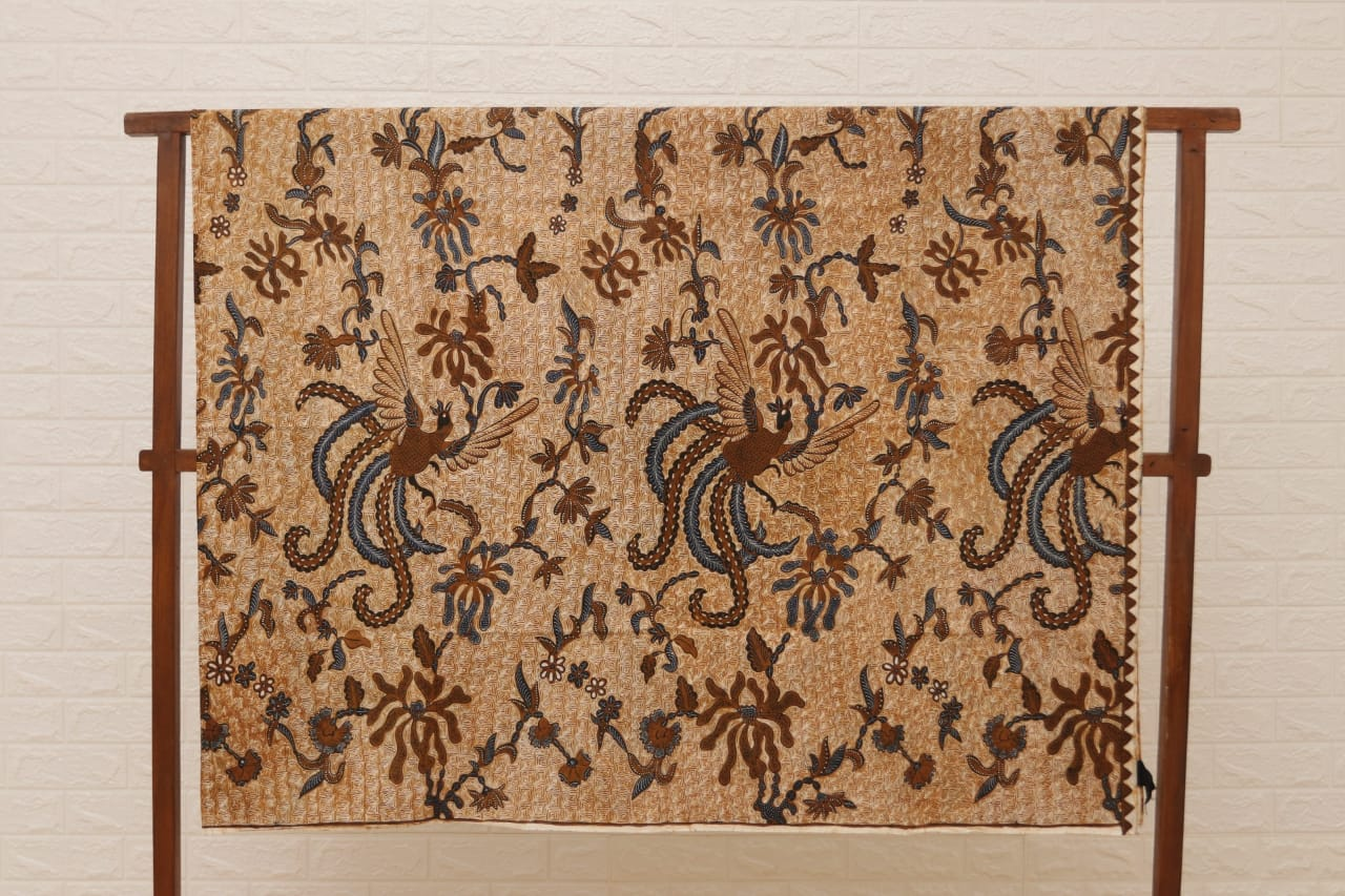 History of batik fabric Indonesia for quilting in Hungary